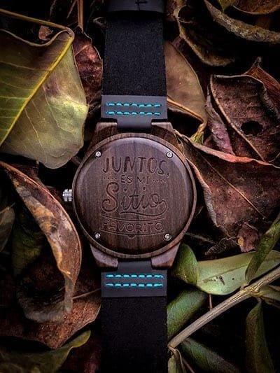 reloj grabado madera