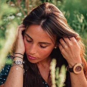 Reloj de madera de mujer