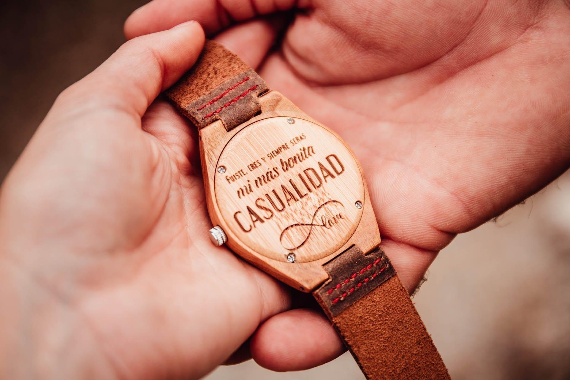 Reloj de madera personalizado