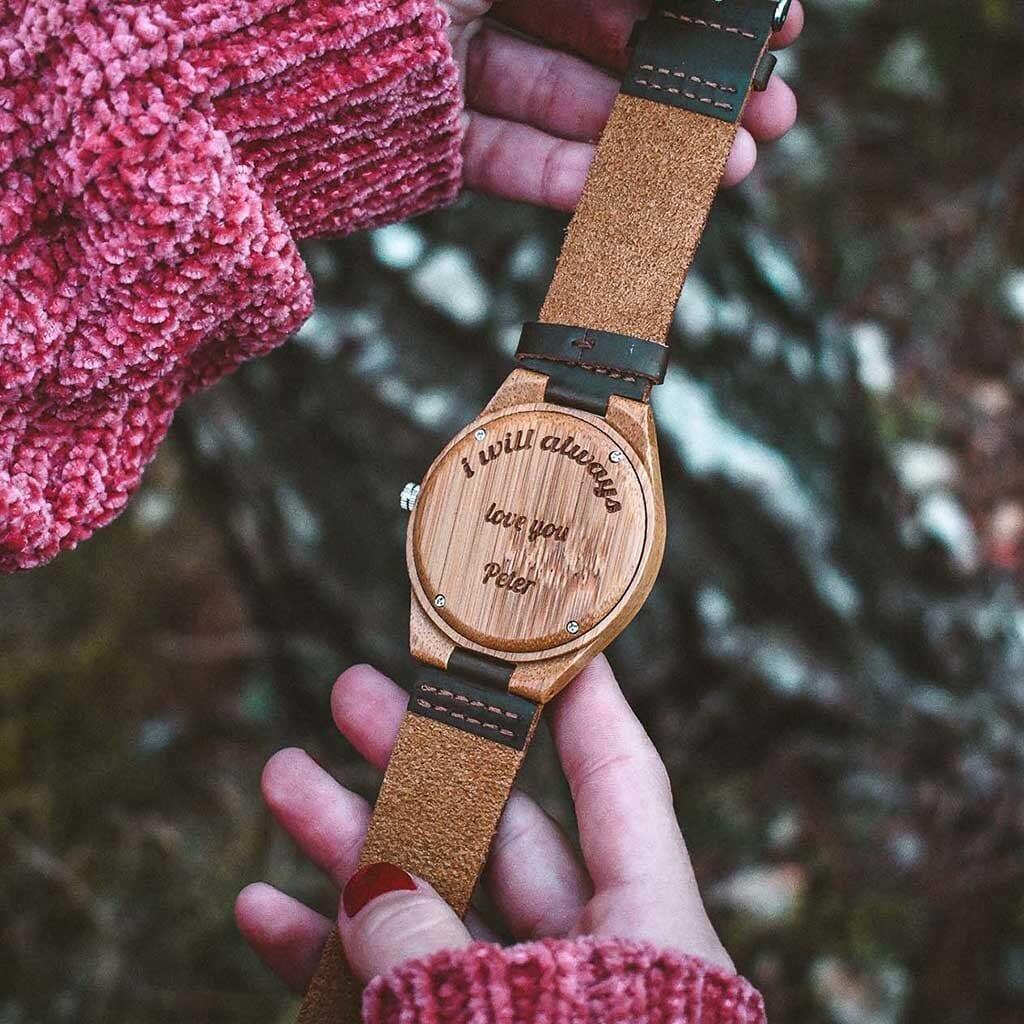 Reloj madera grabado