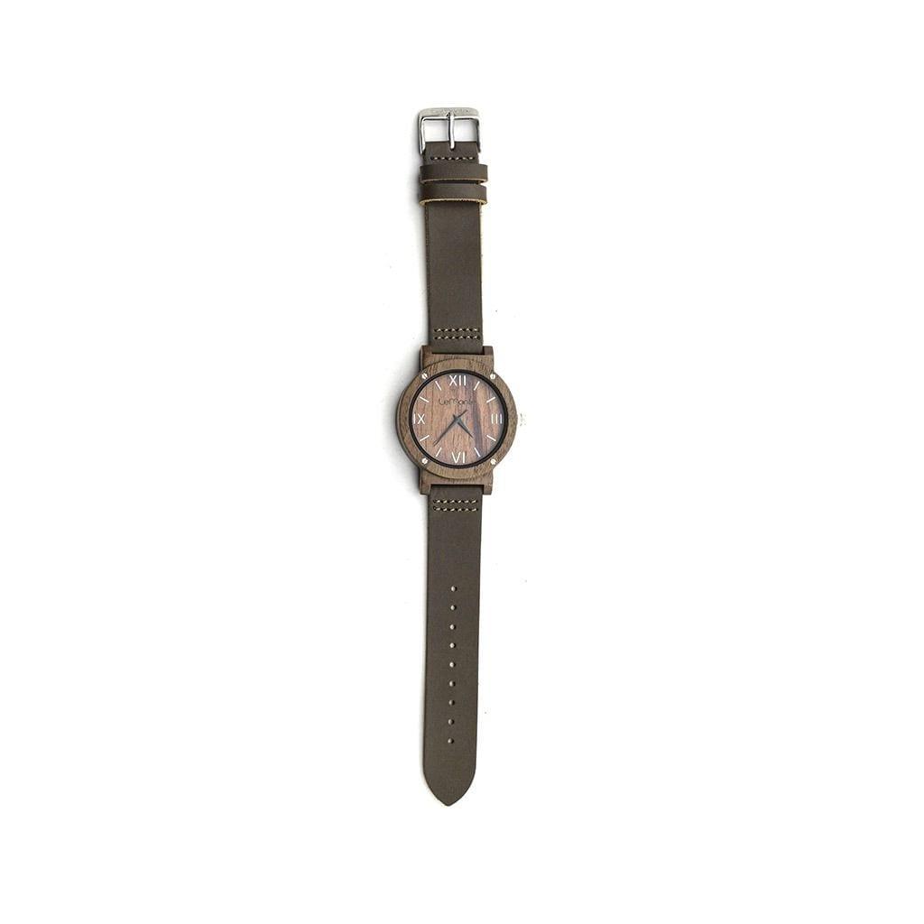 Reloj de madera mano