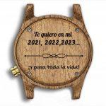 Reloj de madera con personalizacion grabada