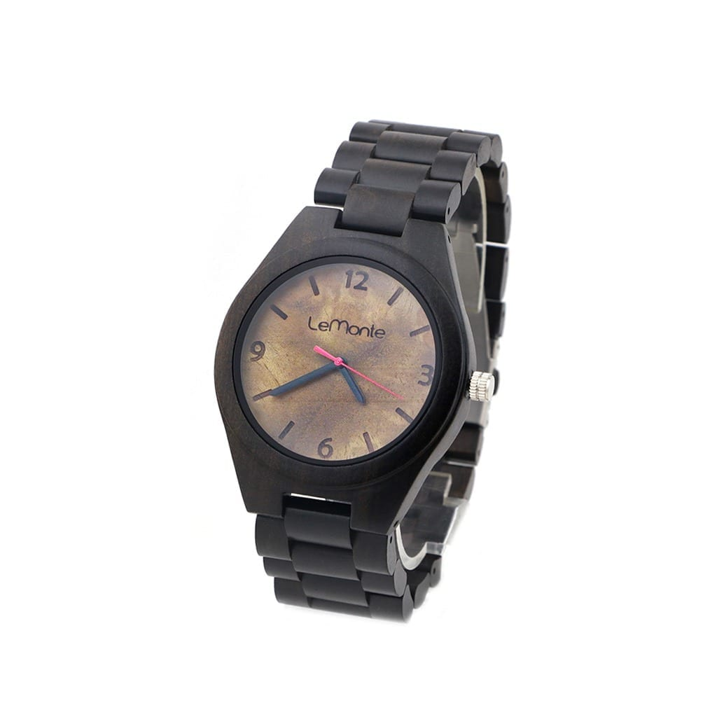 Reloj con correa de madera