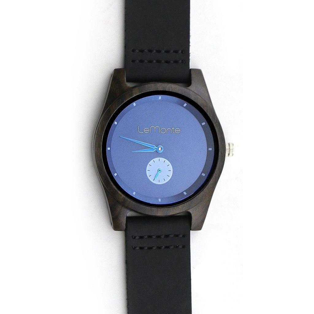Reloj de madera azul