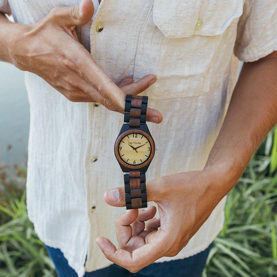 Reloj de madera de chico