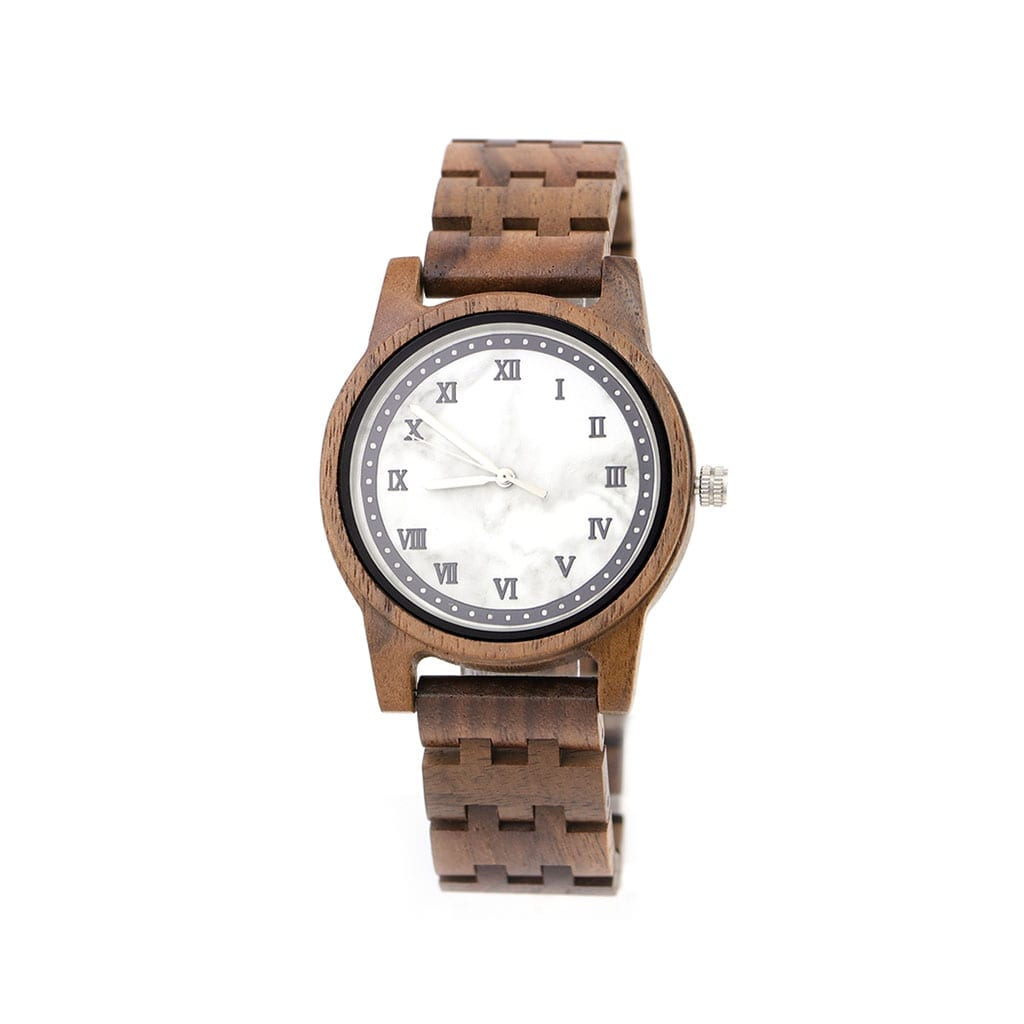 Reloj de mármol y madera