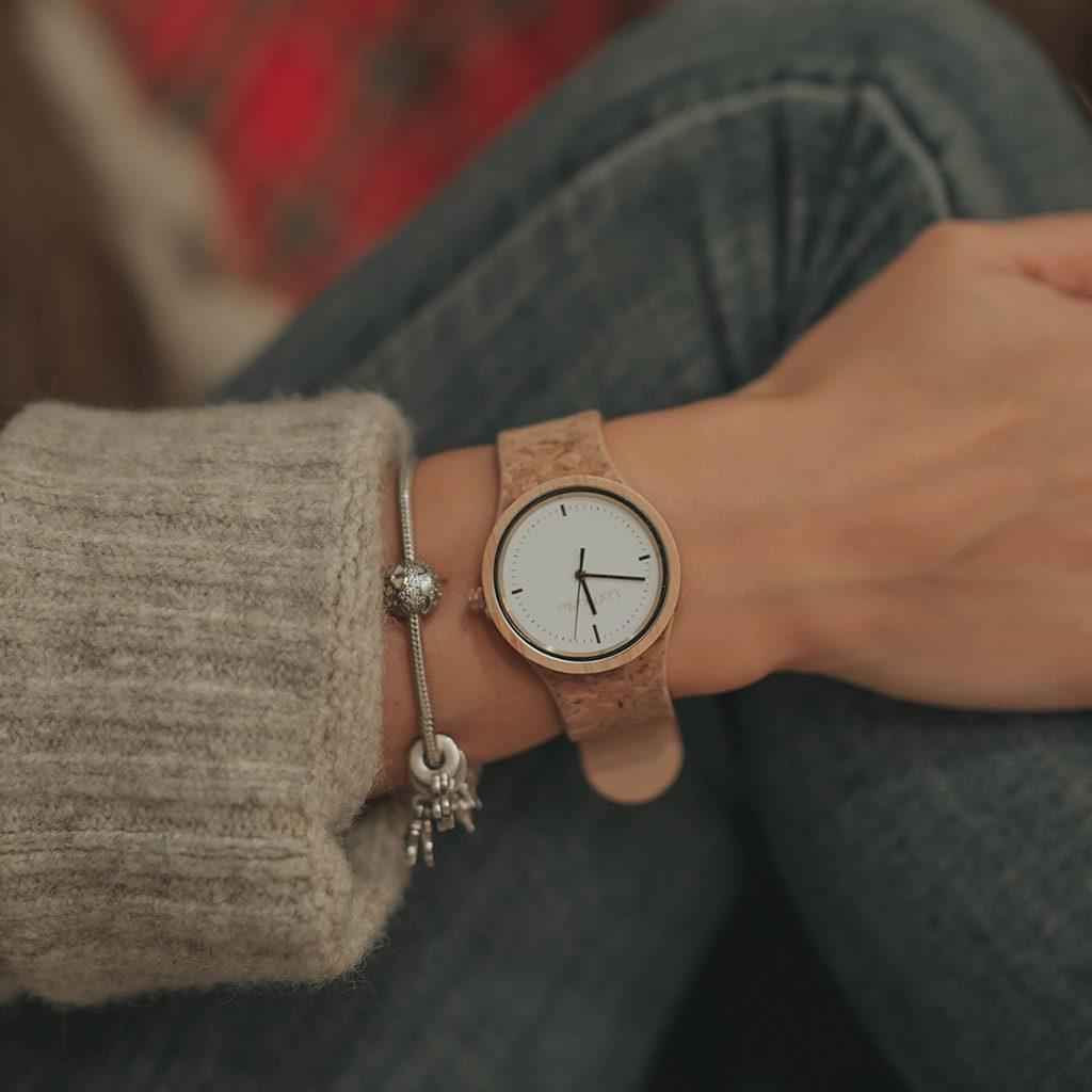Reloj de corcho de mujer