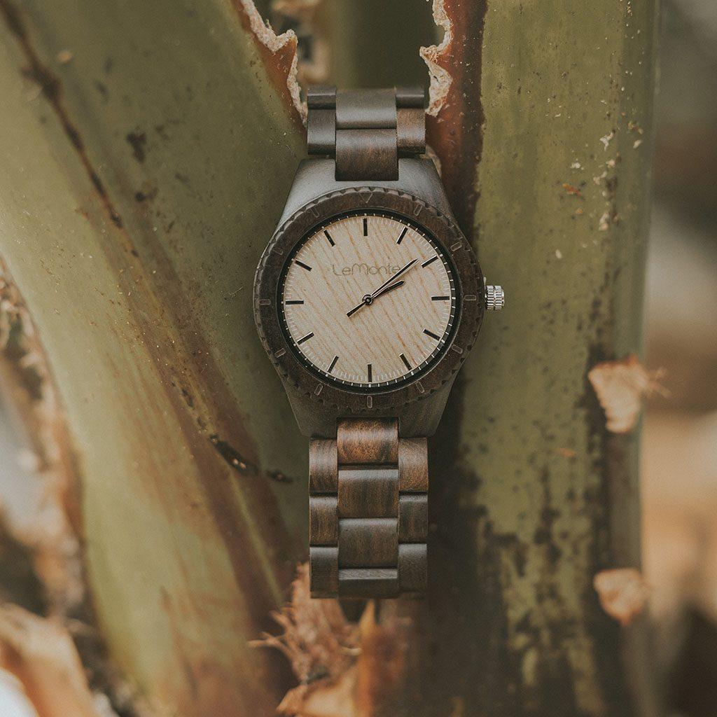 Reloj de mano para hombre de madera