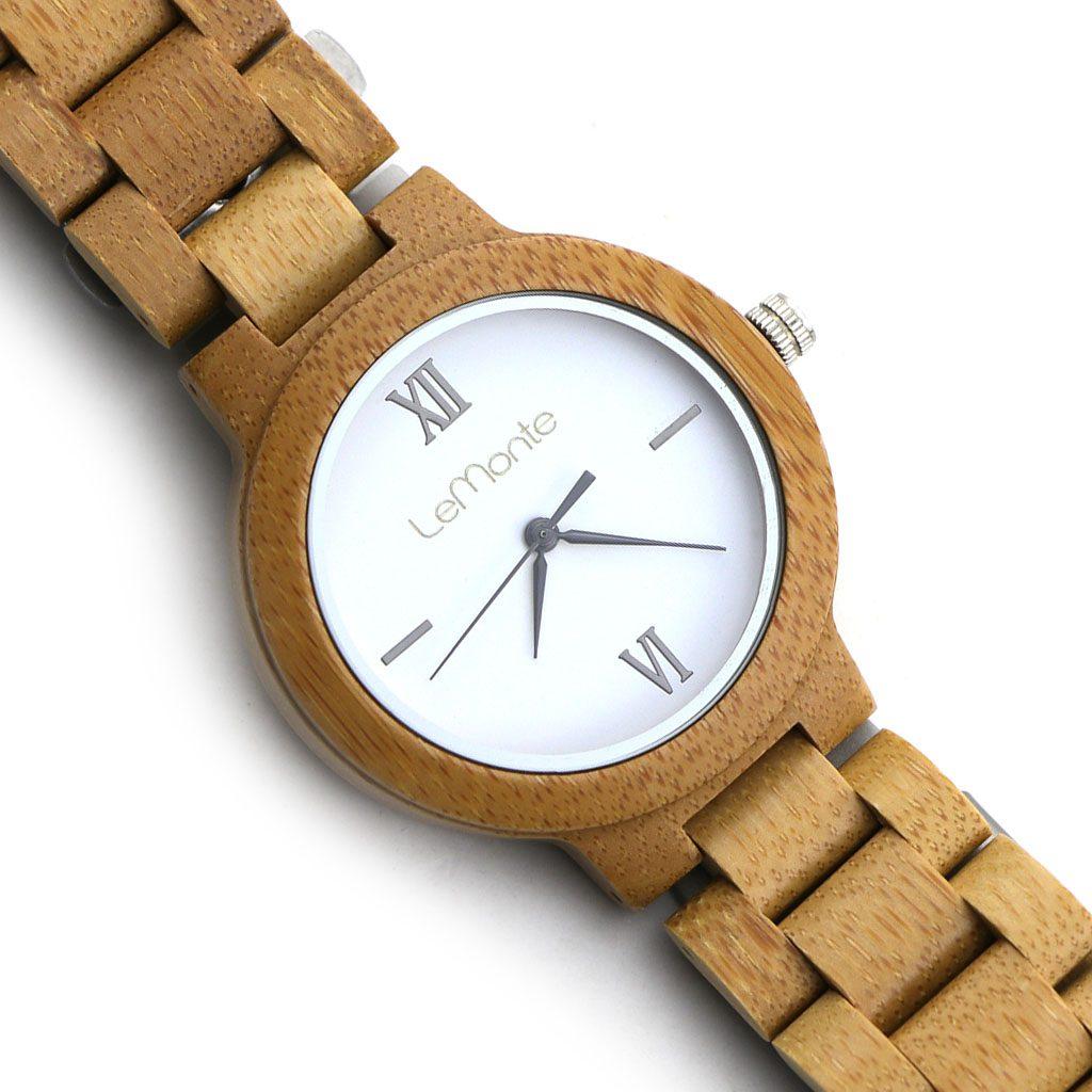 Reloj de madera articulado