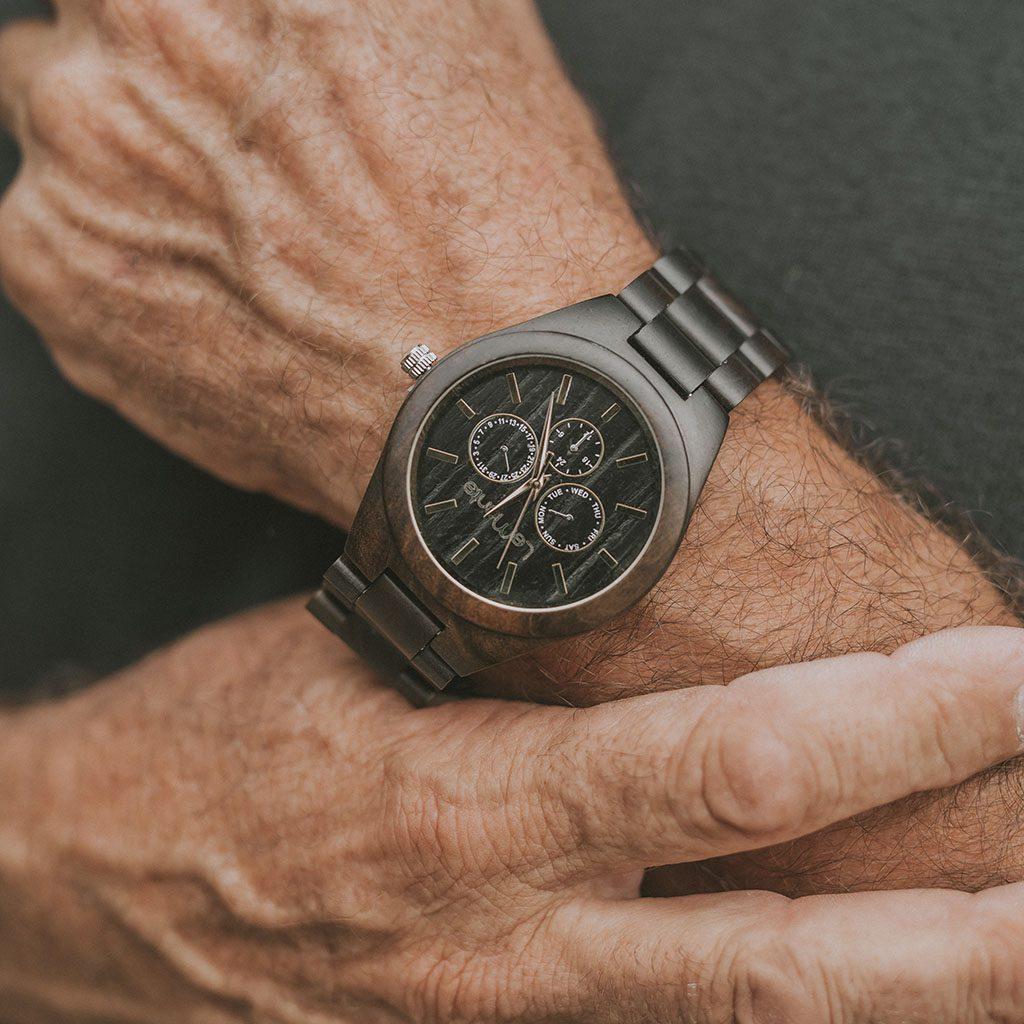 Reloj de madera de hombre