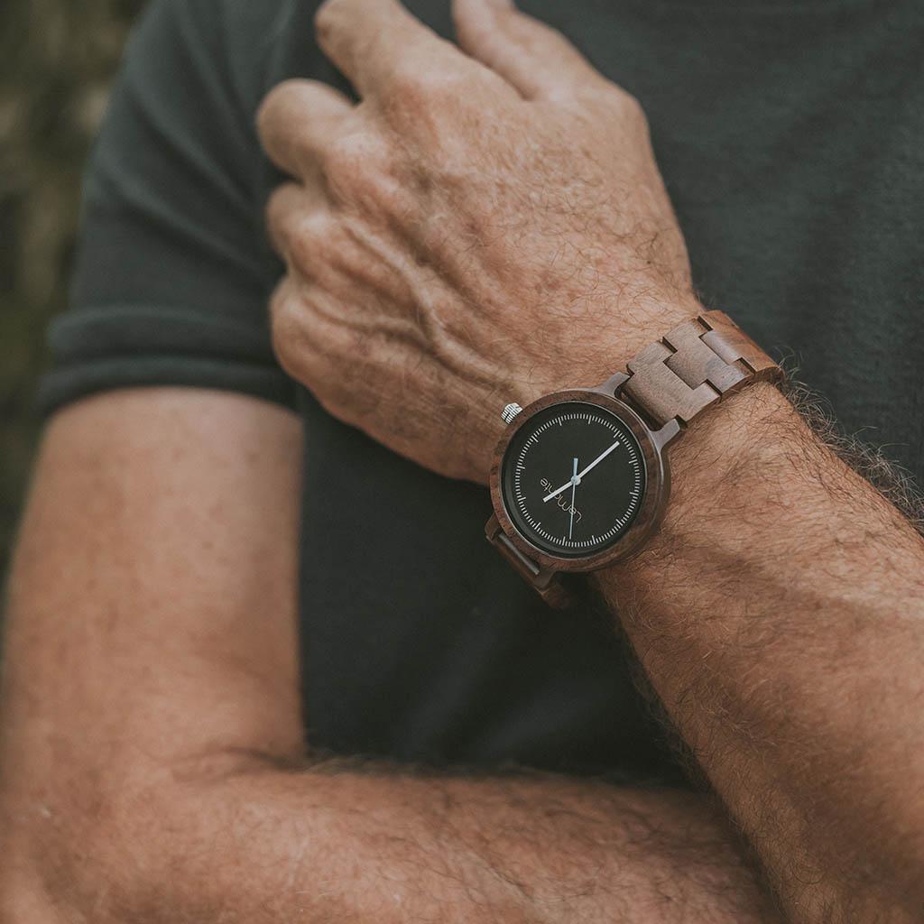 Reloj para señor de madera
